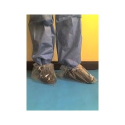 Zapatones en polietileno transparente .